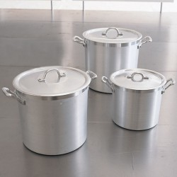 Set of 3 aluminum pots with lids