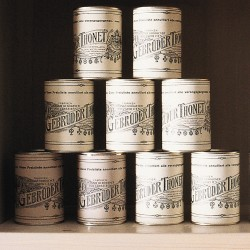 Set of 4 tin cans